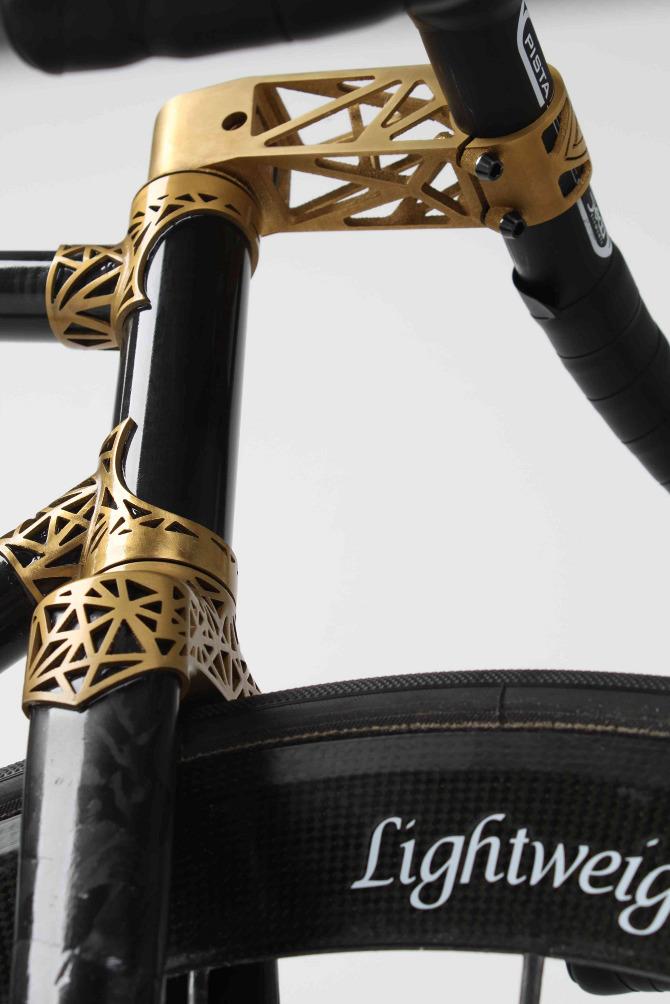 *黑金豪奢VRZ by Ralf Holleis:用3D立體建模打造LUG鋼管車架 4